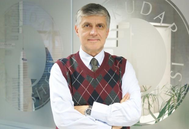 Ünyeli Profösör, TEB Eczacılık Akademisi Başkanı oldu