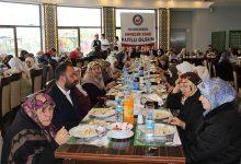 8 Mayıs Öncesi, Yaşlı Annelerle Yemekte Buluştular