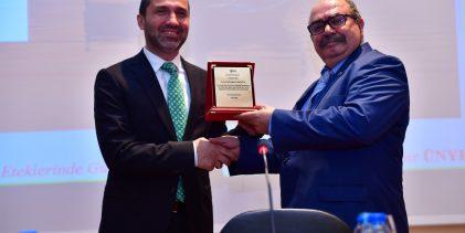 """Başkan Çamyar'a """"Türk Halk Kültürüne Hizmet"""" Ödülü"""